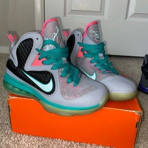 Nike Lebrun South Beach 9 GS
